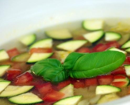 Aromatizirana juha z rižem in bučkami